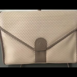 NWOT Liz Claiborne handbag/clutch